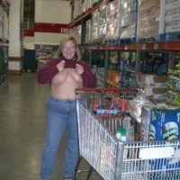 Wife flashes her boobs in costco