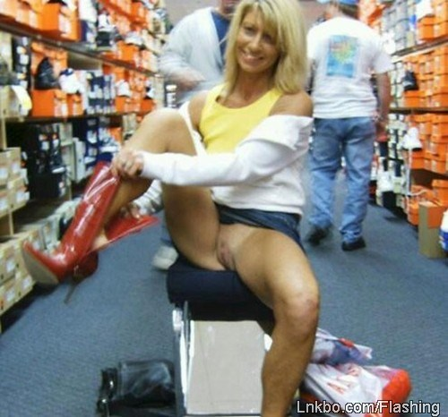 wife flashes pussy in shoe store