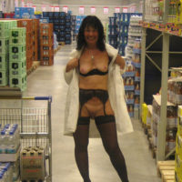 hot wife naked flashing in the store